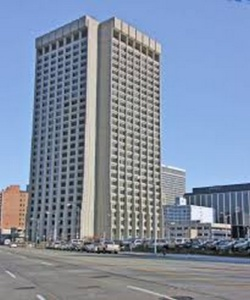 489- Edificio de oficinas azul cielo