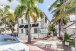 49- 929 Collins Ave